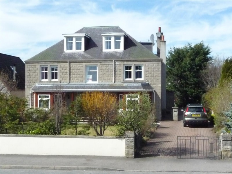 6 Bedrooms Detached House for sale in Dunvegan House