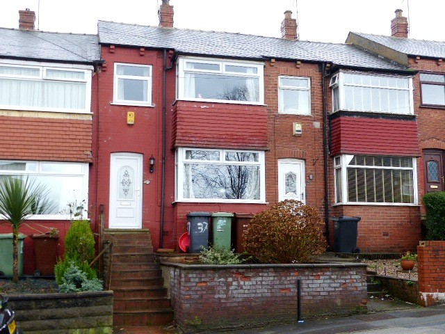 3 Bedrooms Terraced House for sale in Benson Gardens Wortley LS12 4LA