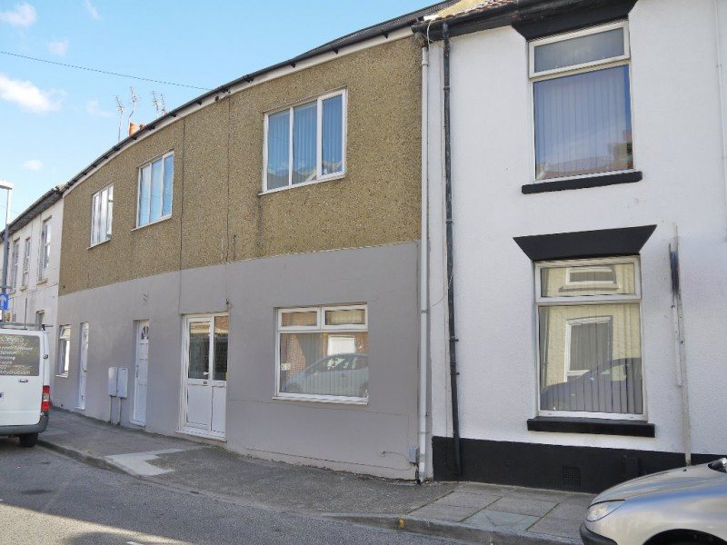 2 Bedrooms Ground Flat for sale in St Marys Road Fratton Portsmouth PO1
