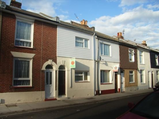2 Bedrooms Terraced House for sale in Malta Road Portsmouth PO2