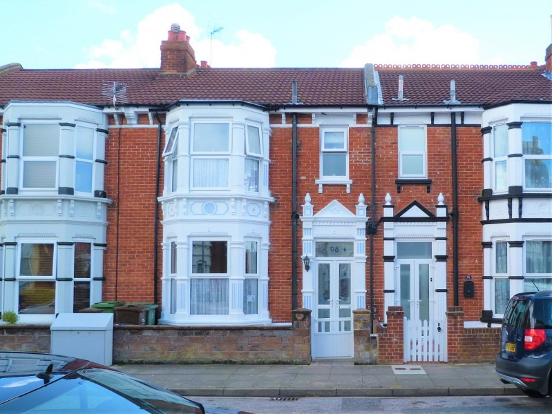 3 Bedrooms Terraced House for sale in Balfour Road Portsmouth PO20NH