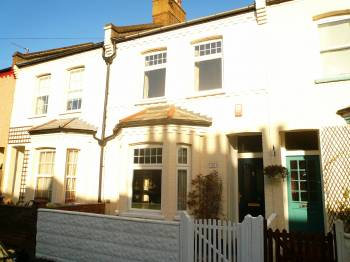 2 Bedrooms Terraced House for sale in Lea Road