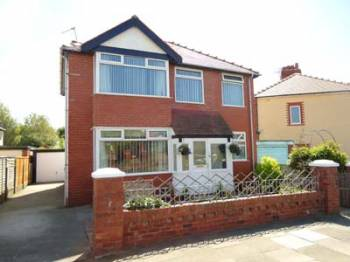 4 Bedrooms Terraced House for sale in Valeway Avenue Anchorsholme