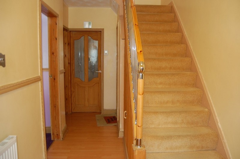 3 Bedrooms Semi Detached House for sale in Highway Road