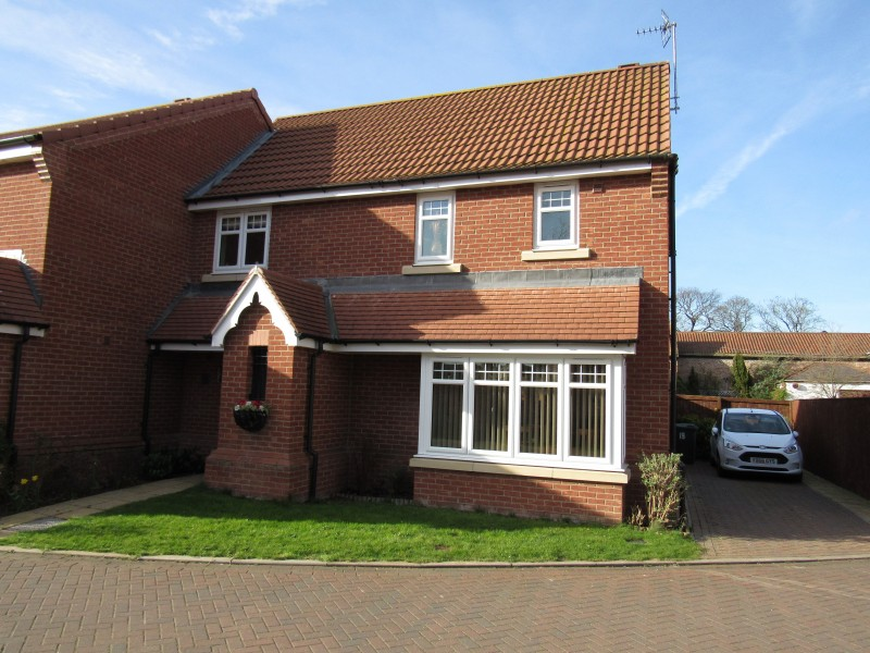 3 Bedrooms Semi Detached House for sale in All Saints Grove, Whitley