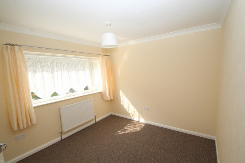 3 Bedrooms Terraced House for rent in Dell Close, Widley,