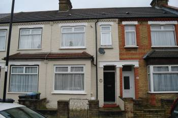 3 Bedrooms Terraced House for sale in Alberta Road