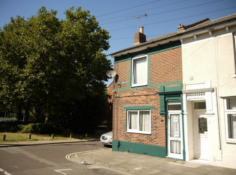 3 Bedrooms End Of Terrace House for sale in Bevis Road Portsmouth PO2 8AS