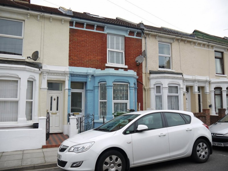 3 Bedrooms Terraced House for sale in Tennyson Road Portsmouth PO2 7RY