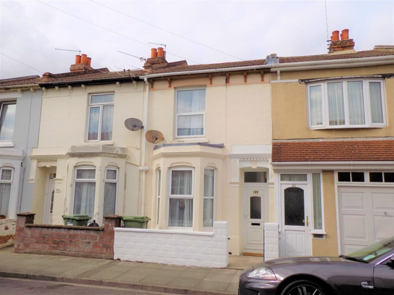 3 Bedrooms Terraced House for sale in Portchester Road PO2