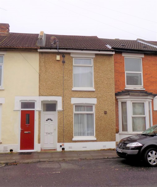 2 Bedrooms Terraced House for sale in Strode Road Portsmouth PO2