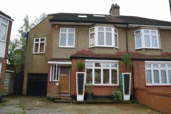 5 Bedrooms End Of Terrace House for sale in Orchard Crescent