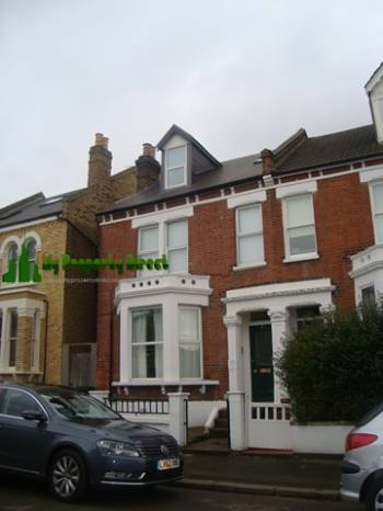 2 Bedrooms Ground Flat for sale in Thurlestone Road, West Norwood, London, SE27