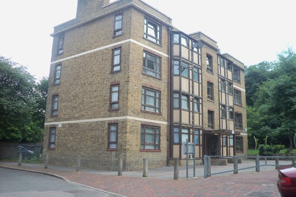 3 Bedrooms Flat for sale in
