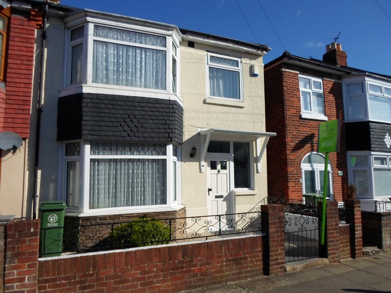 4 Bedrooms End Of Terrace House for sale in Magdalen Road Portsmouth PO2