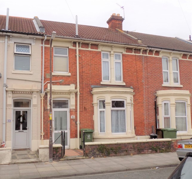 3 Bedrooms Terraced House for sale in Montague Road Portsmouth PO2