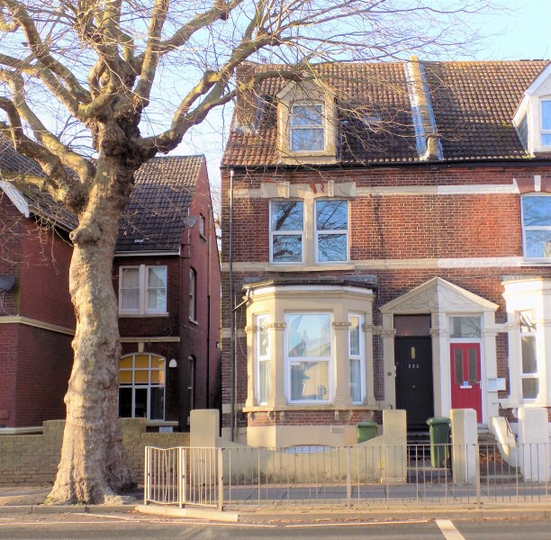 1 Bedroom Flat for sale in London Road Portsmouth PO2