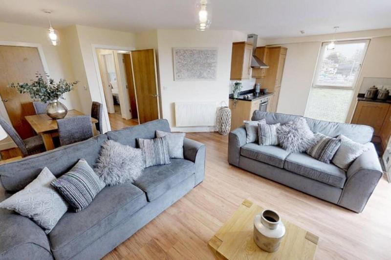 2 Bedrooms Apartment Flat for rent in 23 John Robert Gardens