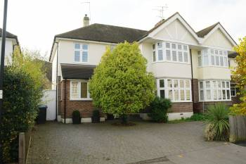4 Bedrooms Semi Detached House for sale in Glebe