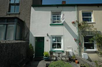 2 Bedrooms Terraced House for sale in 37 Market Street