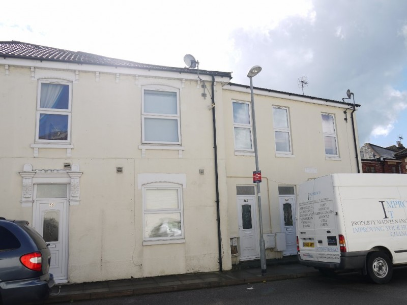 2 Bedrooms Terraced House for sale in Ernest Road Portsmouth PO1 5RF