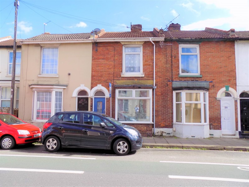 3 Bedrooms Terraced House for sale in Stamshaw Road Portsmouth PO2