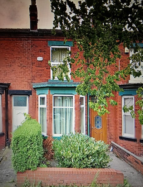 2 Bedrooms Terraced House for sale in Windermere Road Leigh