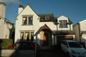 5 Bedrooms Detached House for sale in 5 Springfield Park Road