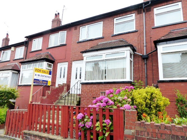3 Bedrooms Terraced House for sale in Aston Street Bramley LS13 2BZ