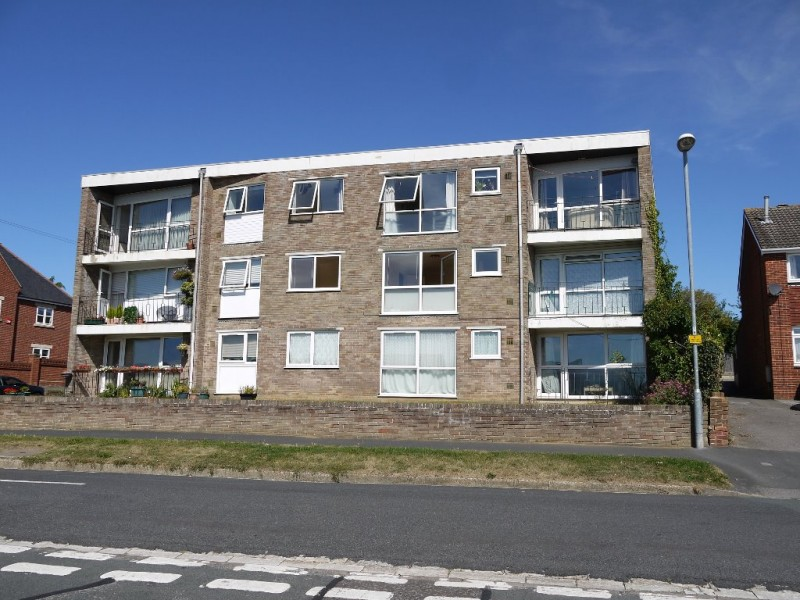1 Bedroom Flat for sale in Winslow Court Solent Road Drayton Portsmouth