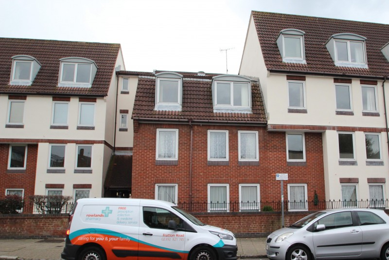1 Bedroom Retirement Property for sale in Homesea House, Green Road, Southsea, PO5 4DQ