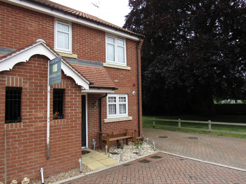 2 Bedrooms Town House for sale in All Saints Grove, Whitley