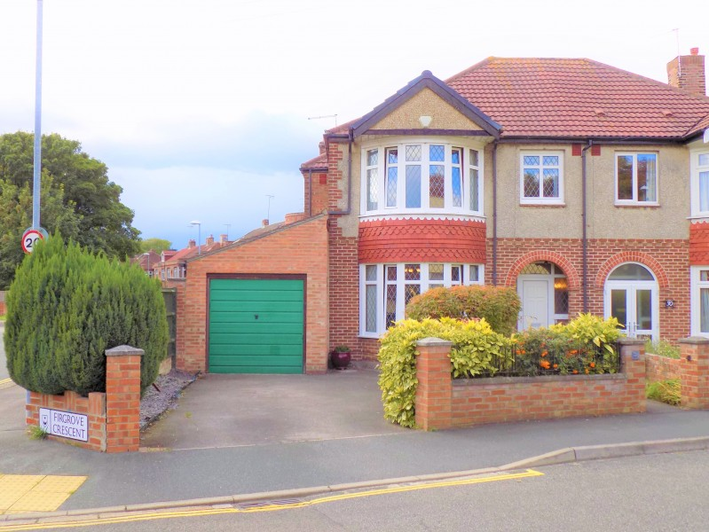 4 Bedrooms Semi Detached House for sale in Firgrove Crescent Portsmouth PO3