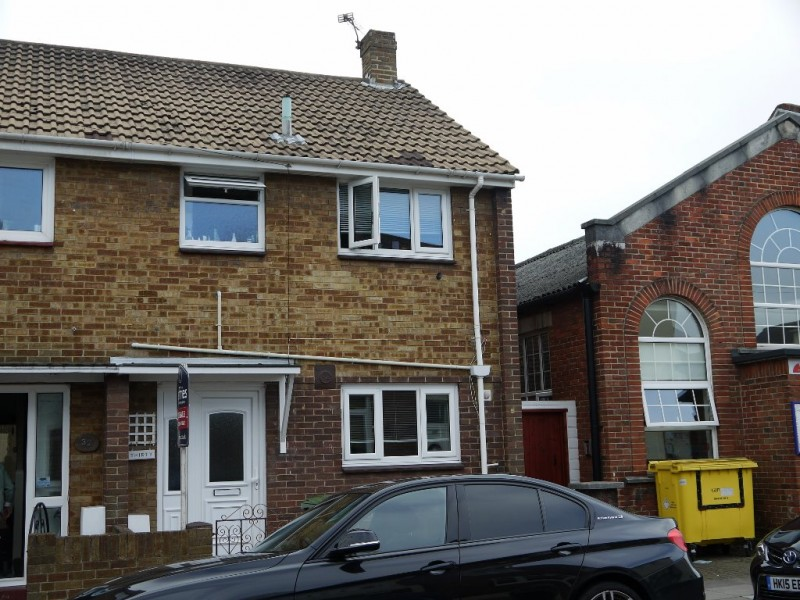 3 Bedrooms End Of Terrace House for sale in Brookfield Road Fratton Portsmouth PO1