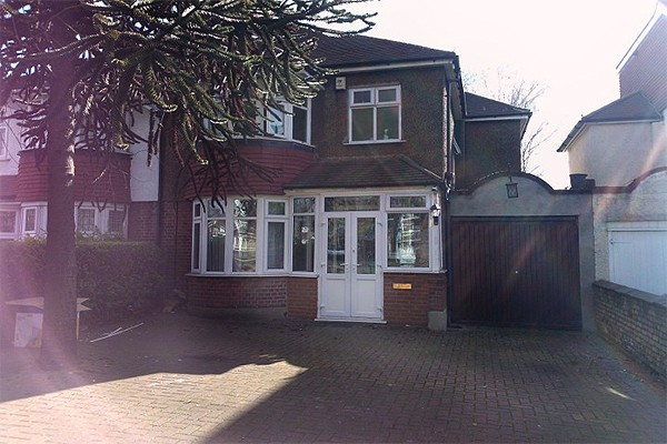 4 Bedrooms Semi Detached House for rent in YES