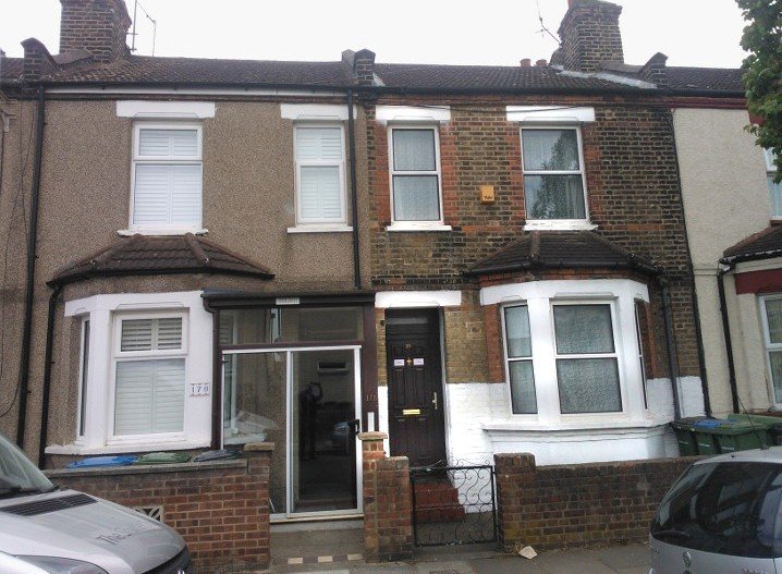 2 Bedrooms Terraced House for sale in