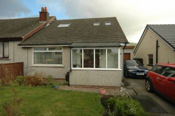 3 Bedrooms Semi Detached House for sale in 6 Combe Crescent