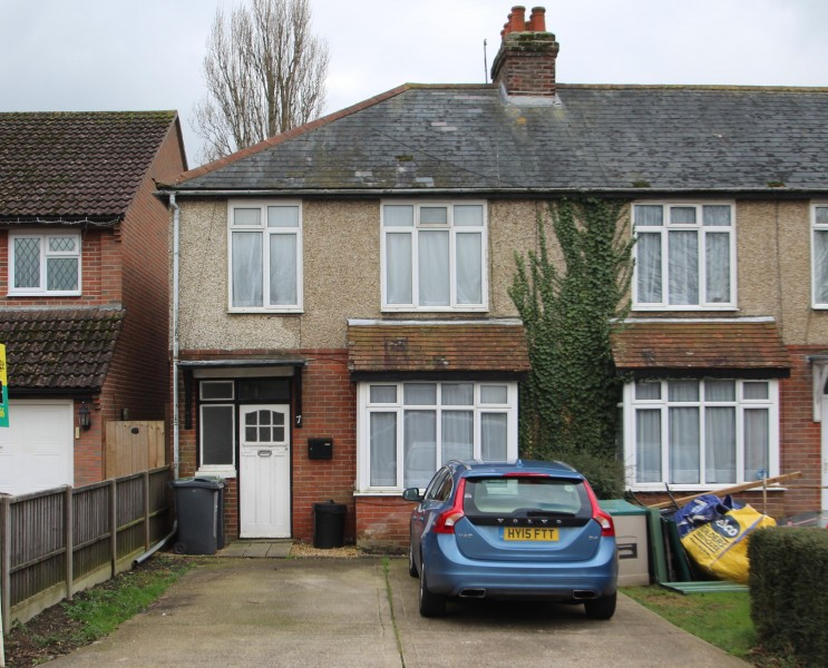 3 Bedrooms End Of Terrace House for sale in Durley Avenue, Cowplain, Waterlooville, PO8 8XA