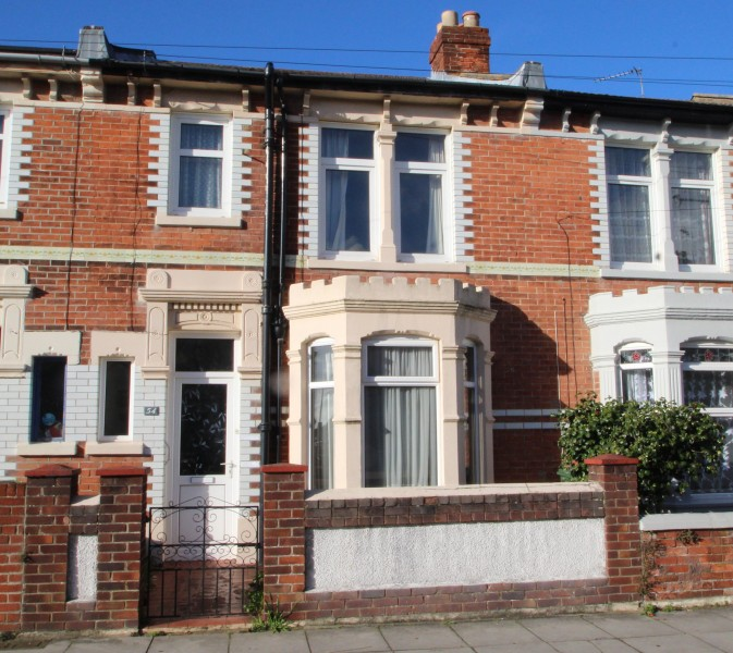3 Bedrooms Terraced House for sale in St Pirans Avenue