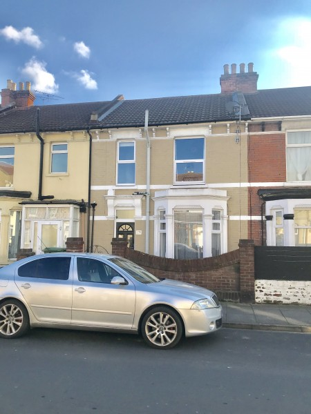 3 Bedrooms Terraced House for sale in Queens Road Portsmouth PO2