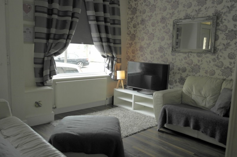 2 Bedrooms Terraced House for sale in Hill Street, Stockingford, Nuneaton