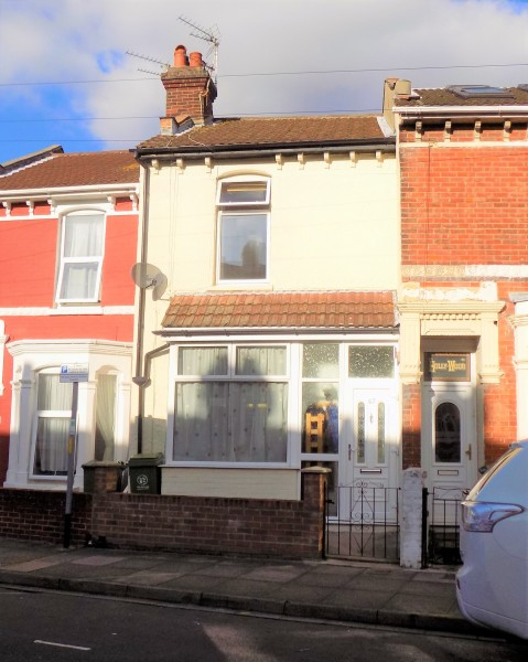 3 Bedrooms Terraced House for sale in Pitcroft Road Portsmouth PO2