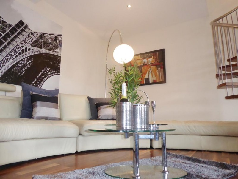 2 Bedrooms Apartment Flat for rent in 2 Rodley Hall