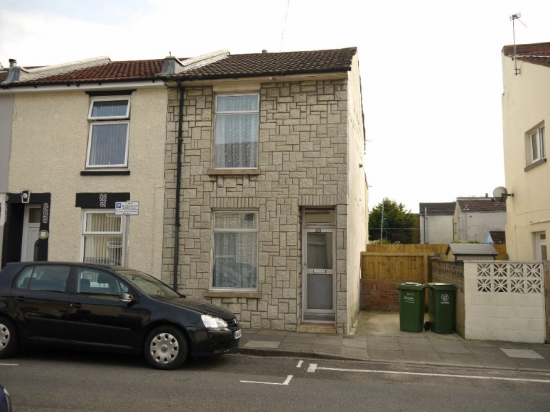 2 Bedrooms End Of Terrace House for sale in St Marks Road Portsmouth PO2 8HT