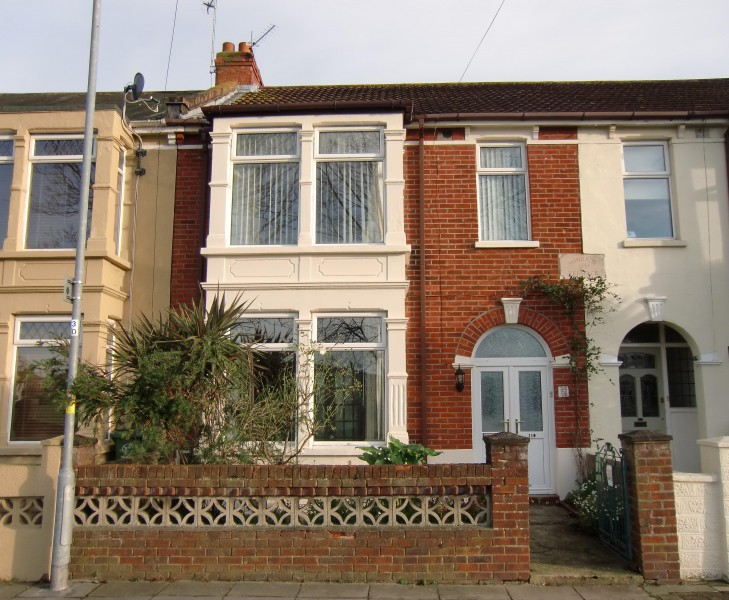 3 Bedrooms Terraced House for sale in Kensington Road, Copnor, Portsmouth, PO2 0RB