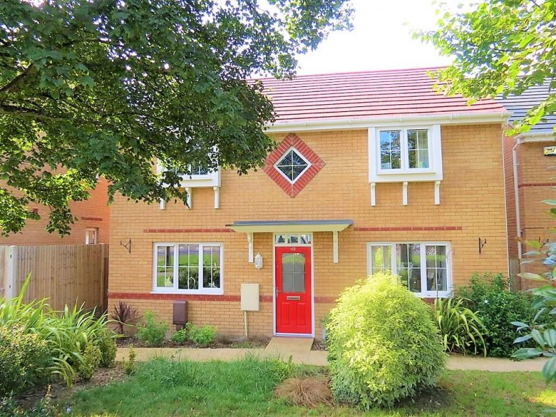 4 Bedrooms Detached House for sale in Jubilee Avenue, Portsmouth PO6