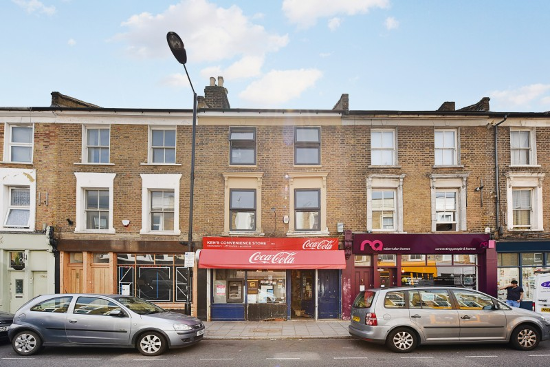 2 Bedrooms Flat for rent in Flat 2, 172 Victoria Park Road